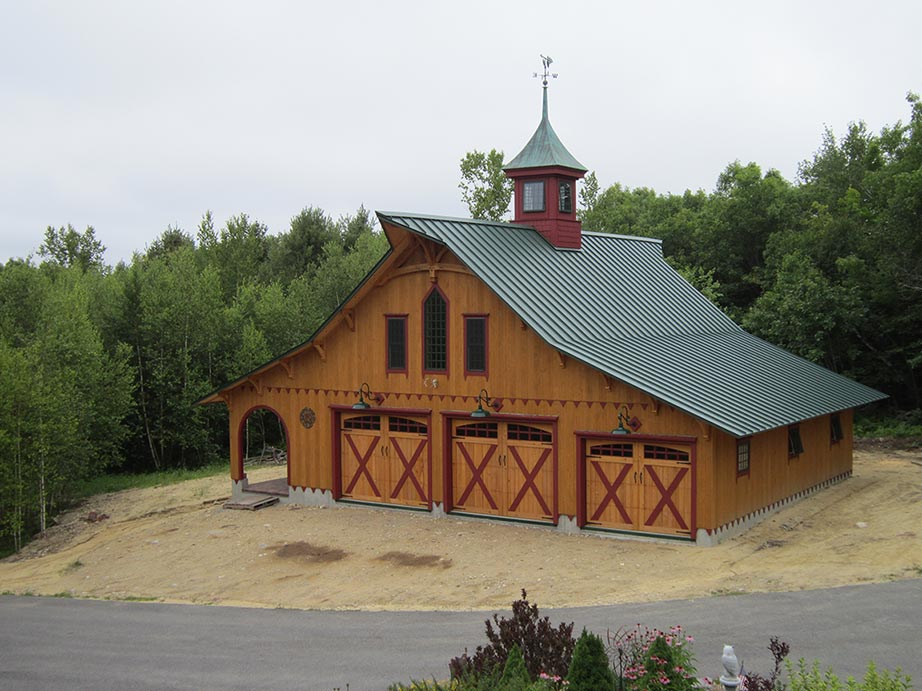 This client used our (optional) design service and ended up with the unique barn that she envisioned.